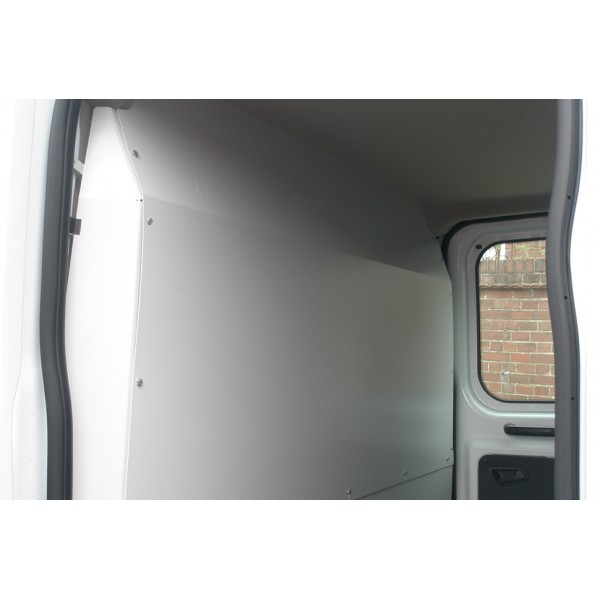 Full Bulkhead solid (for Chassis Double Cab models)